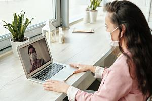 Employee receiving training remotely