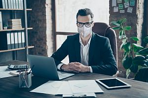 HR consultant in mask