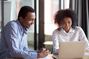 Smart HR employee showing employee benefits programs