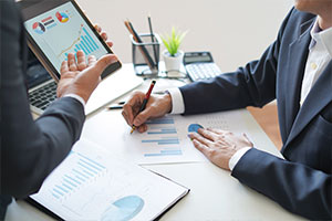 compensation consulting going over sales compensation analysis