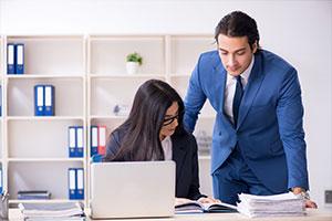 HR group going over year-end employee handbook update